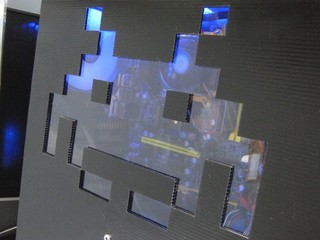 2011-09-11_Z9PLUS_SidePanel_Invader_00.JPG