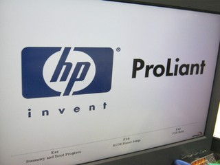 2010-11-28_ML110G5_hp_LOGO.jpg