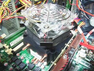 20100727_2重ファンをヒートシンクに設置.jpg