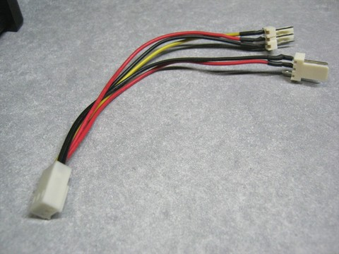 2011-04-17_Z9Plus_FAN_Cable.JPG