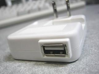 2011-12-24__USB_AC_アダプタ_07.JPG