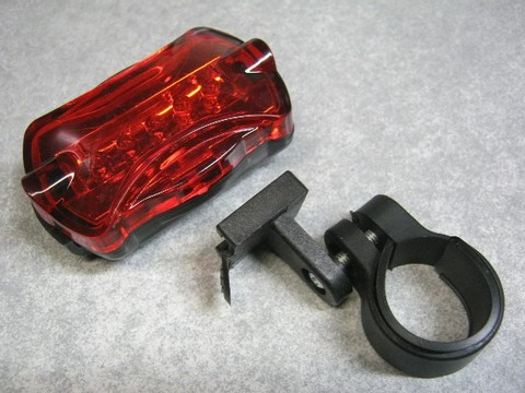 2013-02-12_5LED_REAR_LIGHT_06.JPG