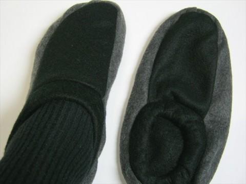 2013-11-17_fleece-room-socks_14.JPG